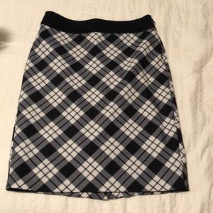 Plaid / argyle pencil skirt